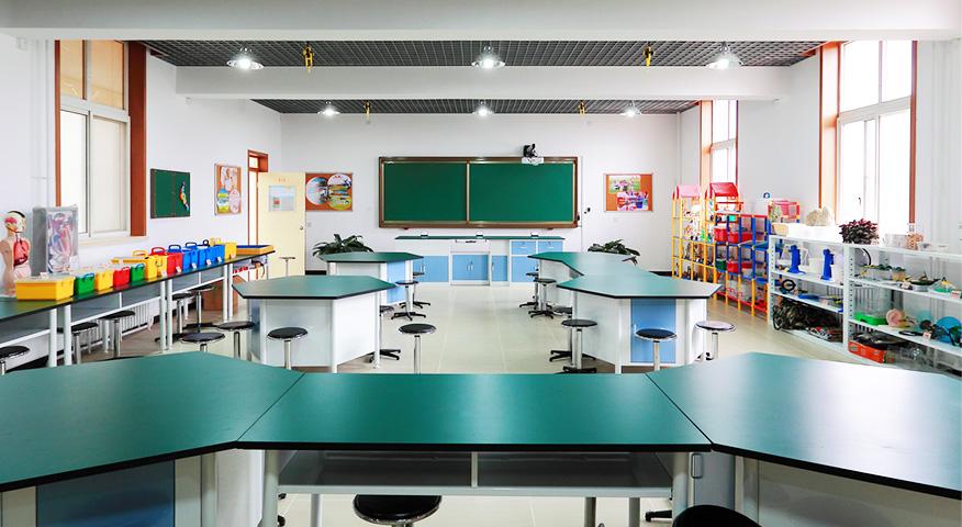 上海题和学校科学实验室